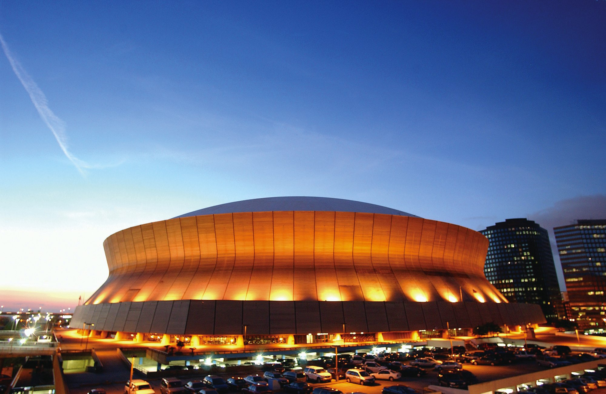 New orleans u s a louisiana superdome outside evening view for Mercedes benz superdome new orleans
