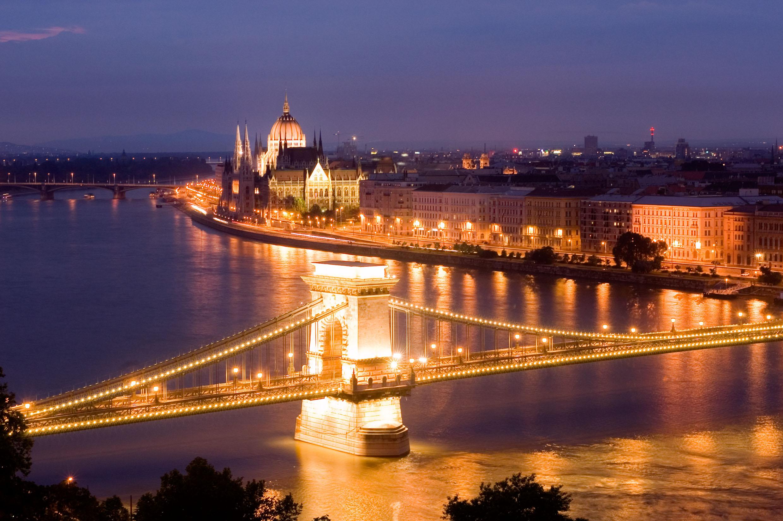 Chain Bridge Budapest Hungary Night View