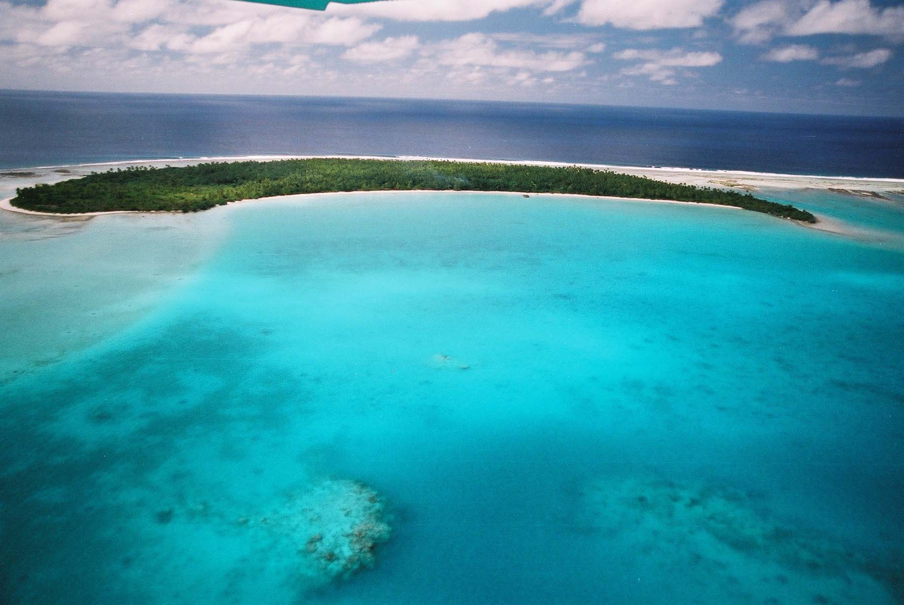 Download this Unreal Paradise Cook Islands Lagoon Aerial View picture