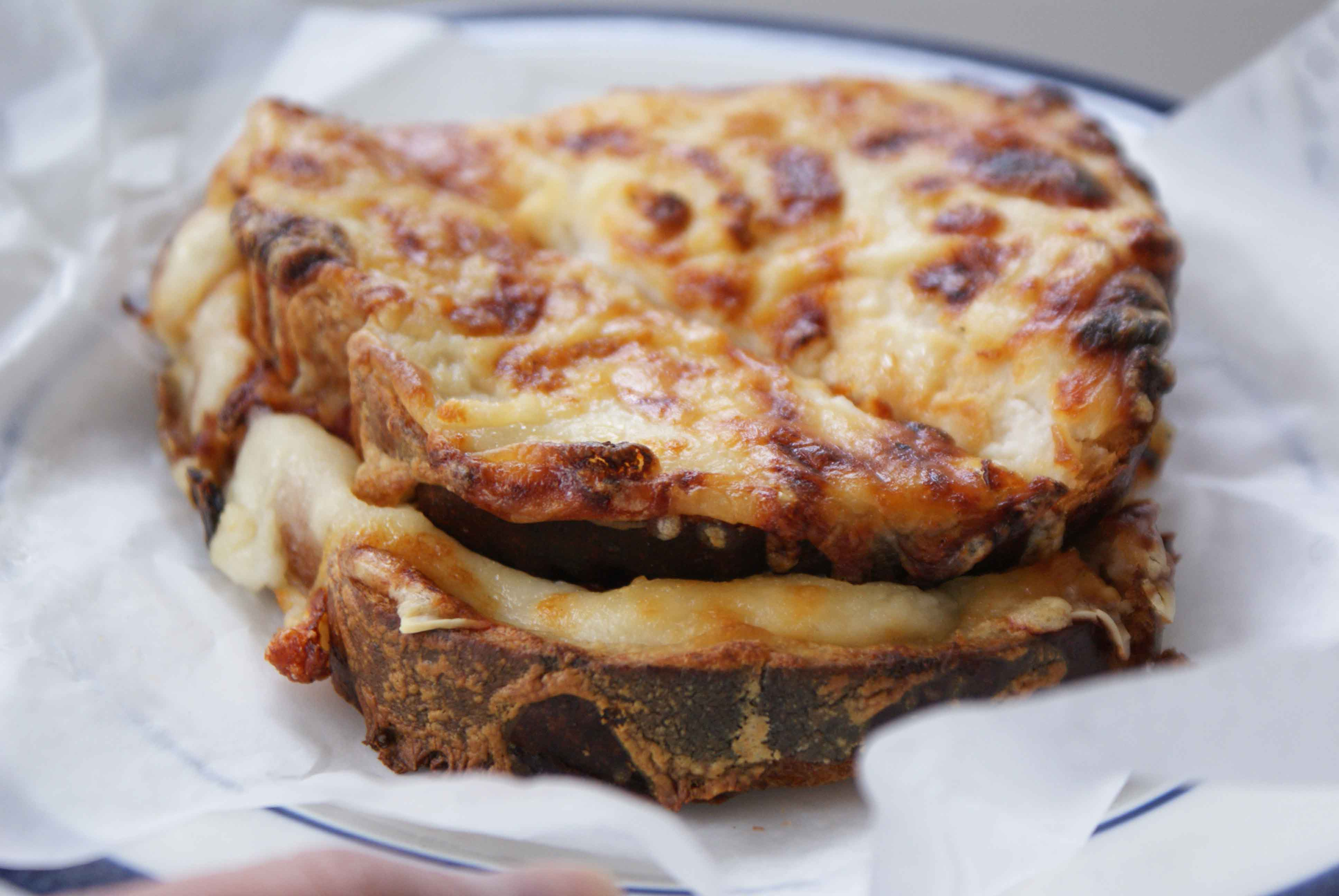 Delicious snacks, Croque Monsieur, France, Presentation 04