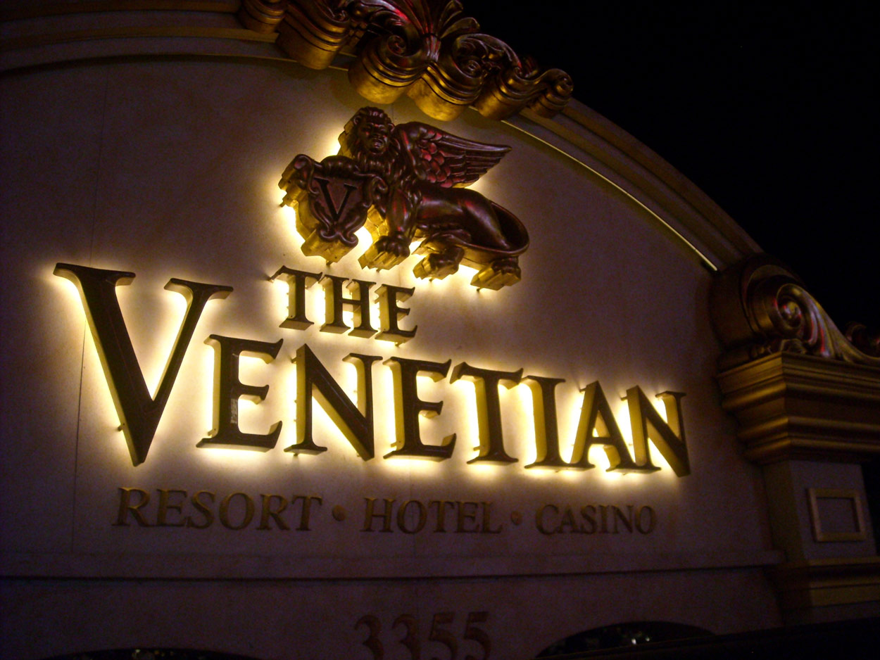 Luxury casino sign in