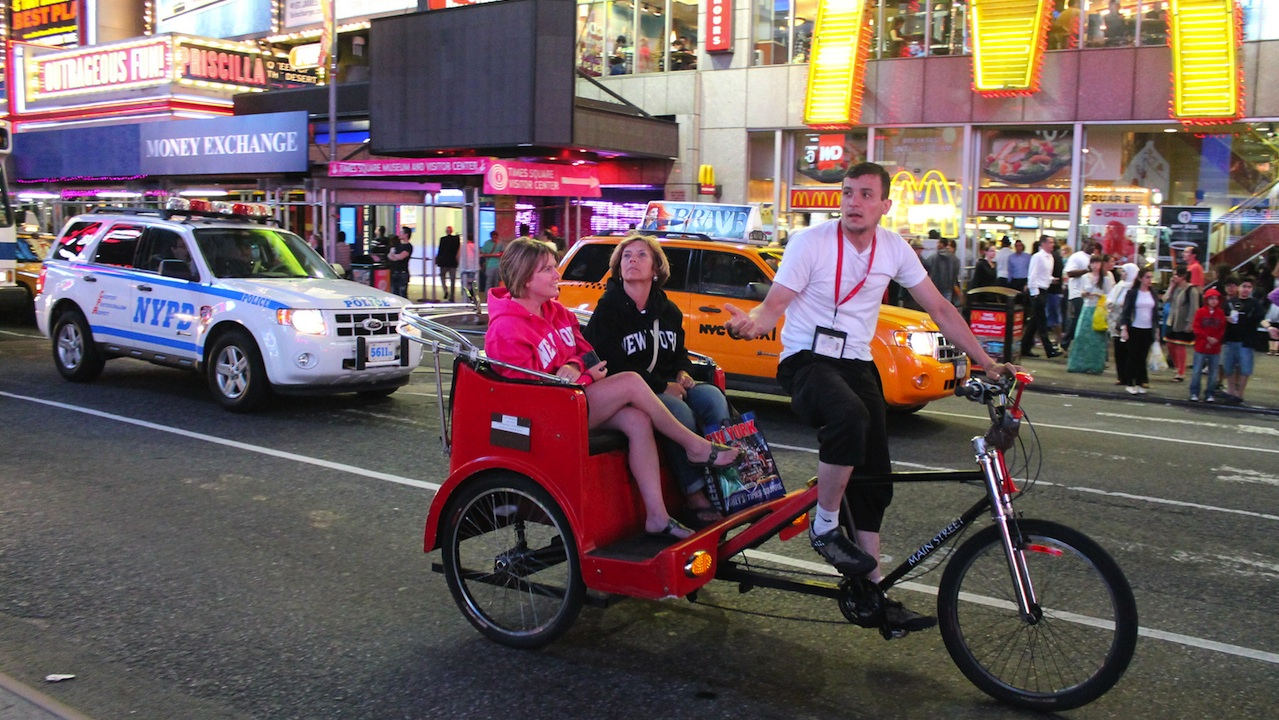 Holiday tips, new york, usa, pedicab ride