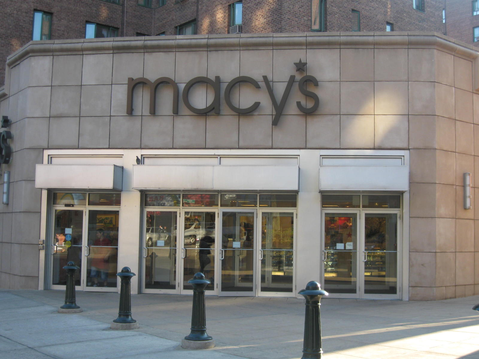 New York, U.S.A., Macys store entrance