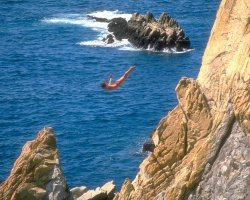 Acapulco, Mexico, La Quebrada clavadistas jumping over the cliffs