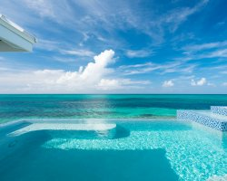 Beautiful World Beaches, Grace Bay, Turks and Caicos Islands, Infinity pool