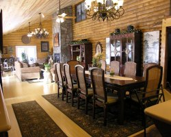 Bed and Breakfast Holiday, Williams, Arizona, Grand Living dining room