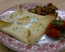 Bed and Breakfast Holiday, Canyon Lake, The Lakehouse Ham and Egg Crepe Squares