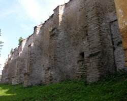 Biertan, Romania, Fortress walls