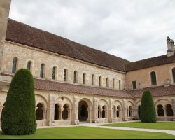 Bourgogne, France, Fontenay Abbey courtyard