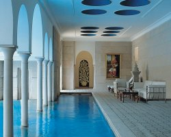 Dream Baths Holiday, India, Oberoi Amarvilas interior pool