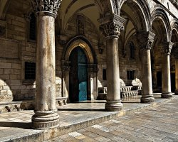 Tourist Attraction, Dubrovnik, Croatia, Rectors Palace columns