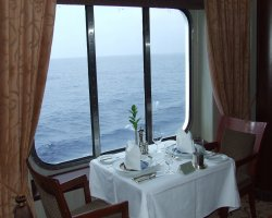 Gourmets Vacantion, Crystal Cruise Company, Crystal Symphony, Crystal Dining Room window seats