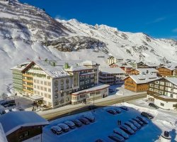 Lifetime Holiday, Hotel Edelweiss, Murren, Austria, Panorama by winter