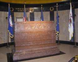 Lucky Destinations, Illinois, USA, Tomb of Abraham Lincoln tombstone