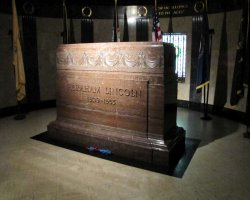 Lucky Destinations, Illinois, USA, Tomb of Abraham Lincoln interior view
