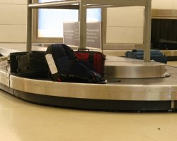 Smart Holiday, Conveyor for luggage airport