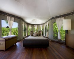 Luxury Hotels Holiday, Maldives, Asia, Banyan Tree Madivaru, Suit interior view