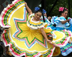 May Ideal Destiantion, Mexico, Cinco de Mayo Festival, Dancers with colorful dresing
