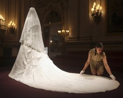 Museums Holiday, Buckingham Palace, London, Kate Middleton wedding dress