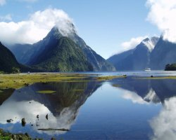 National Park Holiday, Fiordland National Park, New Zeeland, Mountain and lake view