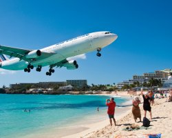 Oddest Beach Holiday, Maho Beach, Saint Martin Island, Air France landing