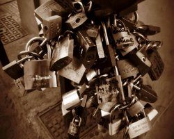 Ponte Vecchio, Firenze, Italy, Padlocks  or Love Locks