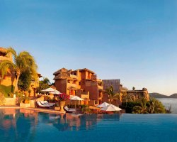 Romantic Luxury Hotel, La Casa Que Canta, Mexico, Pool overview