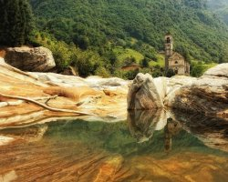 Secret Destination Holiday, Ticino, Switzerland, Verzasca Lavertezzo pond