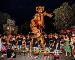 Strange Holiday, Bali, Indonesia, Nea Year Festival, Silence day