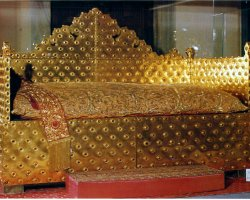 Topkapi Palace, Istanbul, Turkey, Solid Gold Ceremonial Throne