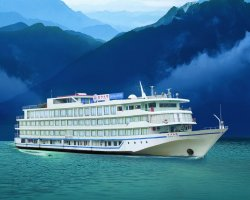 Trend Holiday, River cruises, Luxury boat on Yangtze