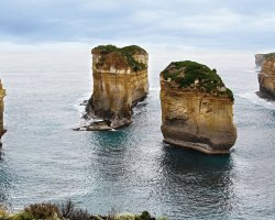 The Twelve Apostles , Australia, Loch Ard Gorge, Island Arch after collaps