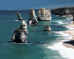 The Twelve Apostles , Australia, Stack before collaps