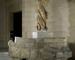Visiting Paris Louvre, Winged Victory of Samothrace