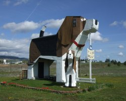 Weirdest Hotels Holiday, Dog Bark Park Inn,Cottonwood, Idaho, Outside view