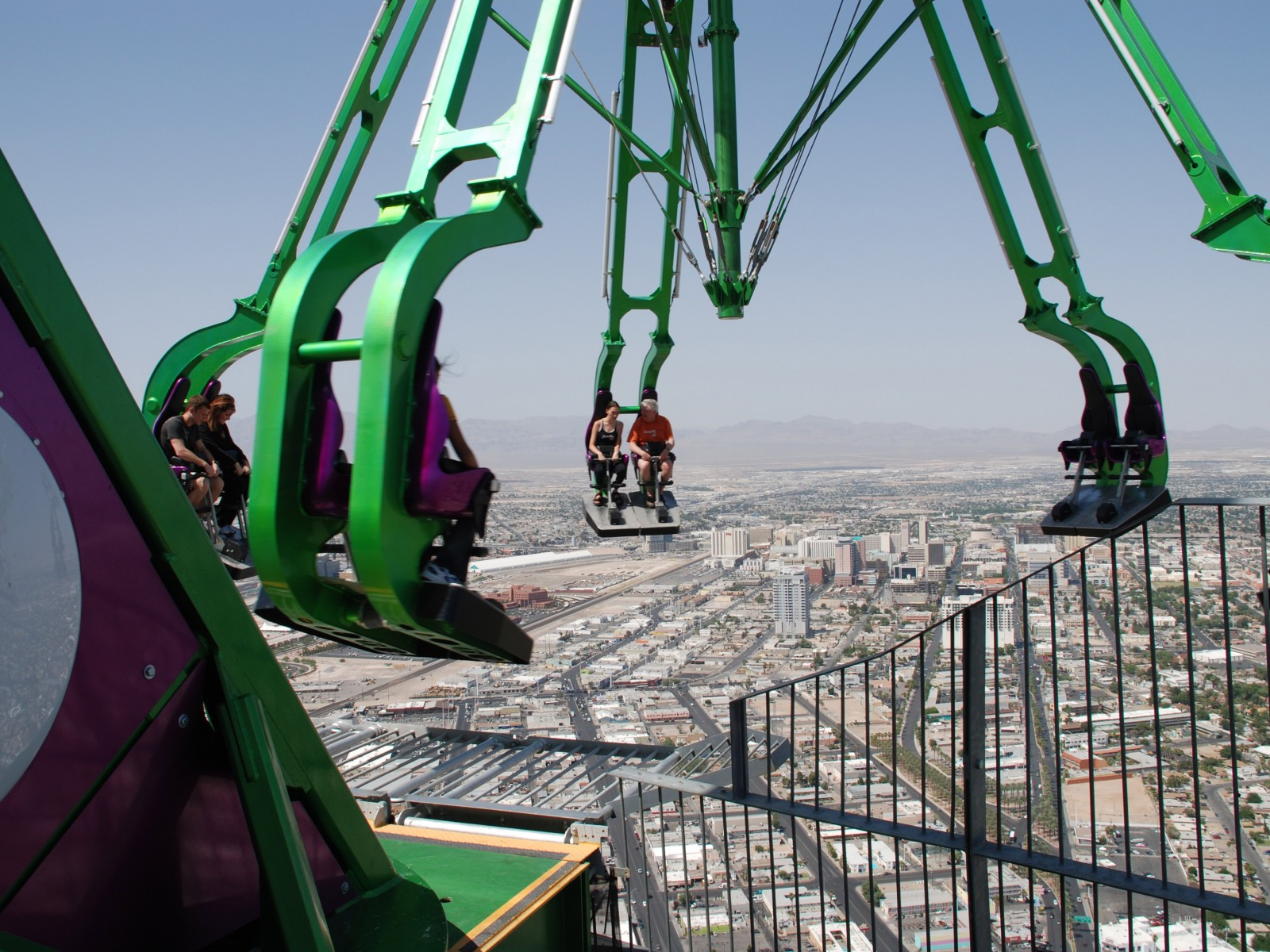 Top Rotating Restaurants Stratosphere Las Vegas Usa Coaster Overview