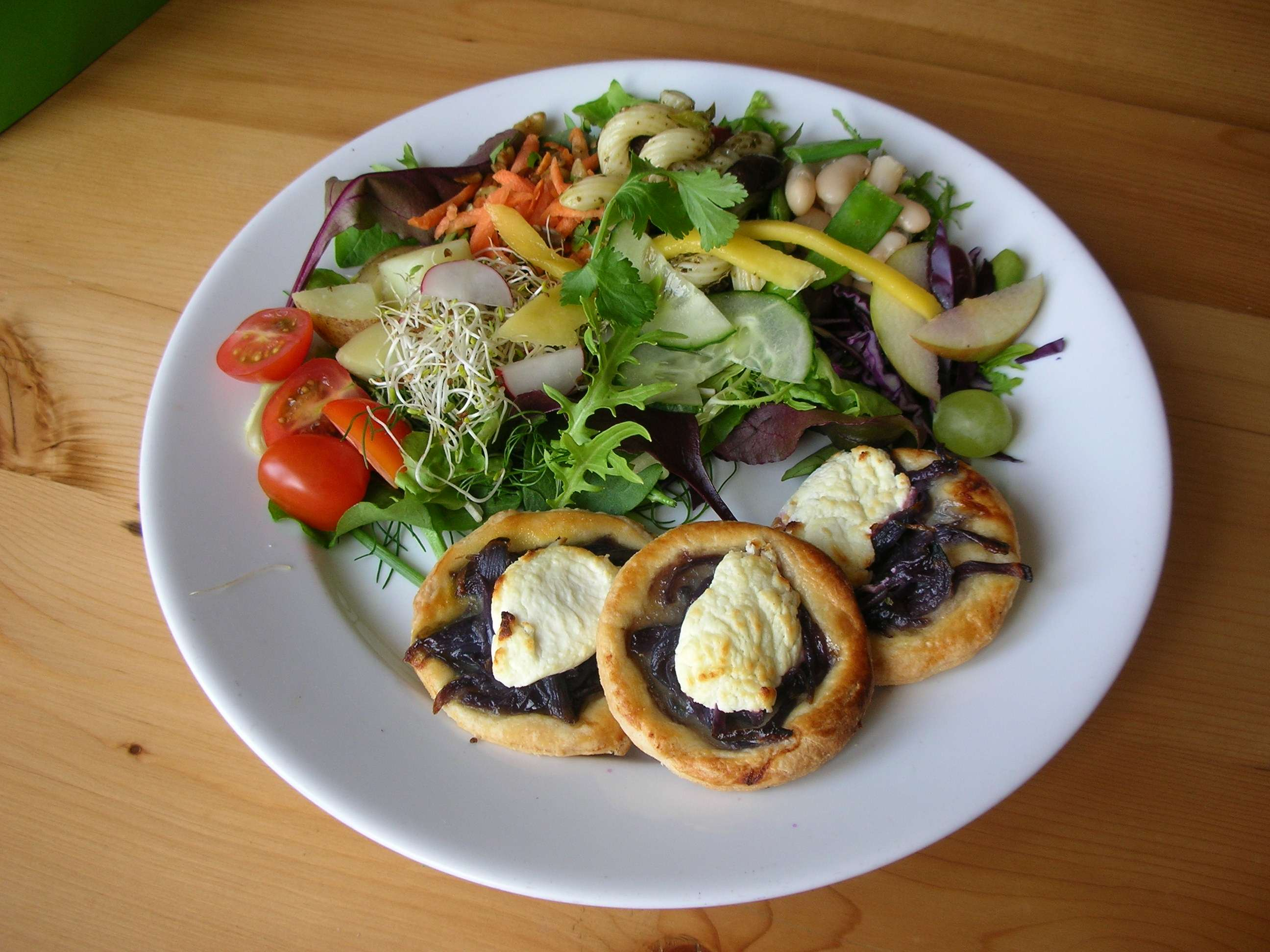 Vegetarian Tourists Destinations, Tartlets vegetarian dishes presentation