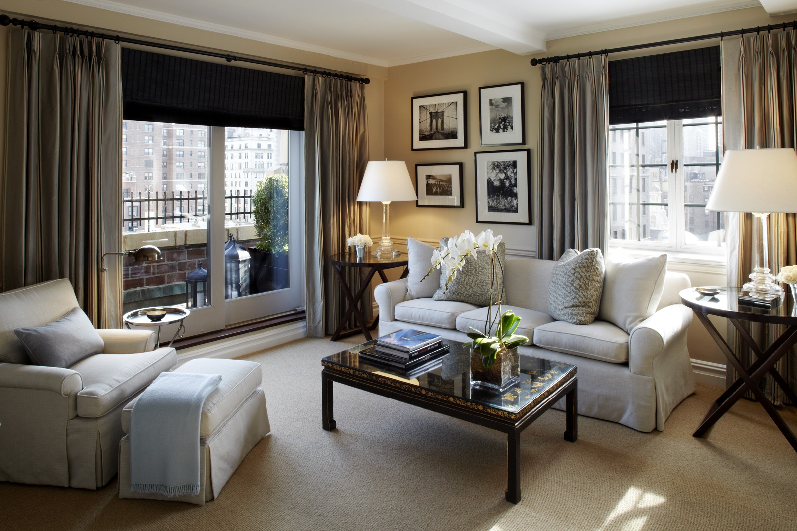 world best hotels new york city the lowell hotel livingroom. Black Bedroom Furniture Sets. Home Design Ideas
