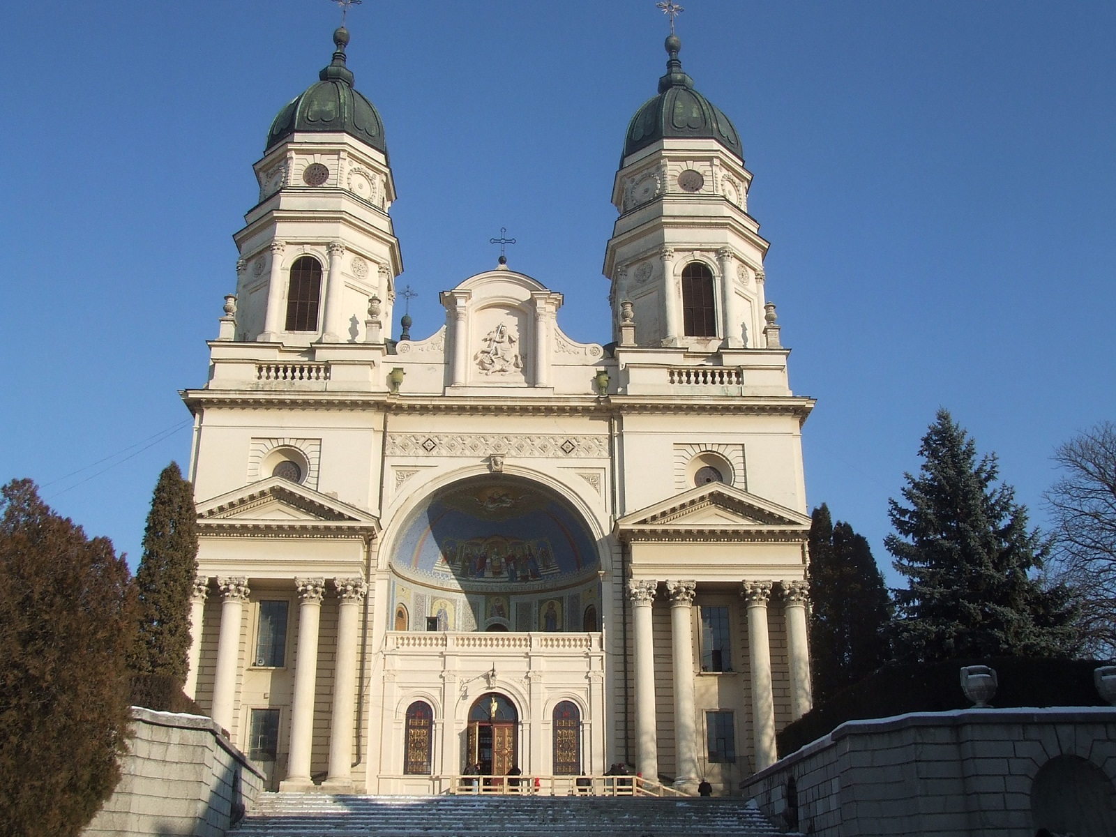 Iasi architecture, Romania, Orthodox Metropolitan Cathedral, front view