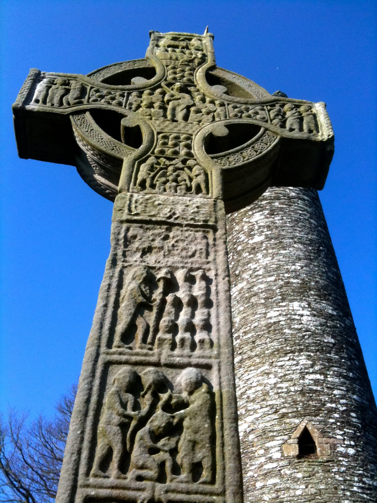 Monasterboice, Ireland, Religious motiffs on cross