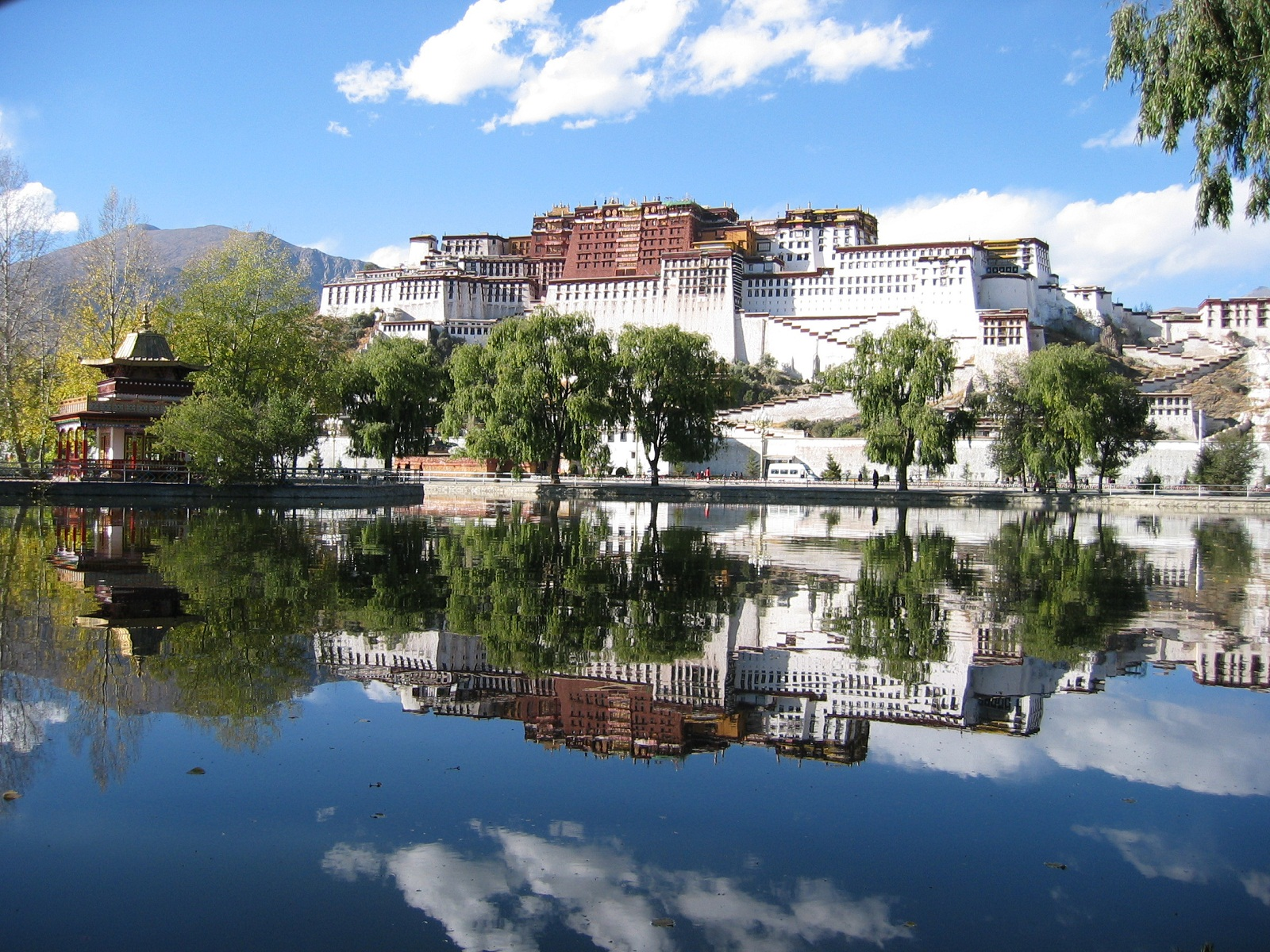 Potala Palace, Tibet, China, Palace lake reflection