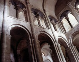 Basilique Saint Sernin, Toulouse, France, Interior arches