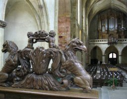 Basilique Saint Sernin, Toulouse, France, Statues