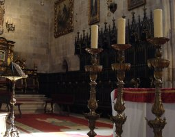 Braga Cathedral, Portugal, Chairs and candles