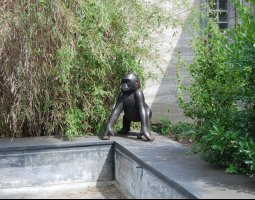 Frankfurt Zoo, Germany, Little gorilla statue