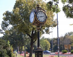 Herastrau Park, Bucharest, Romania, Clock at park entrance