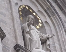 Notre Dame Basilica, Montreal, Canada, Statue on entrance wall