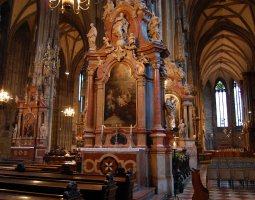 St Stephan Cathedral, Vienna, Austria, Interior column statues