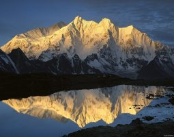 Tallest Mountains, Makalu and Chomolonzo, Everest, Lake reflection