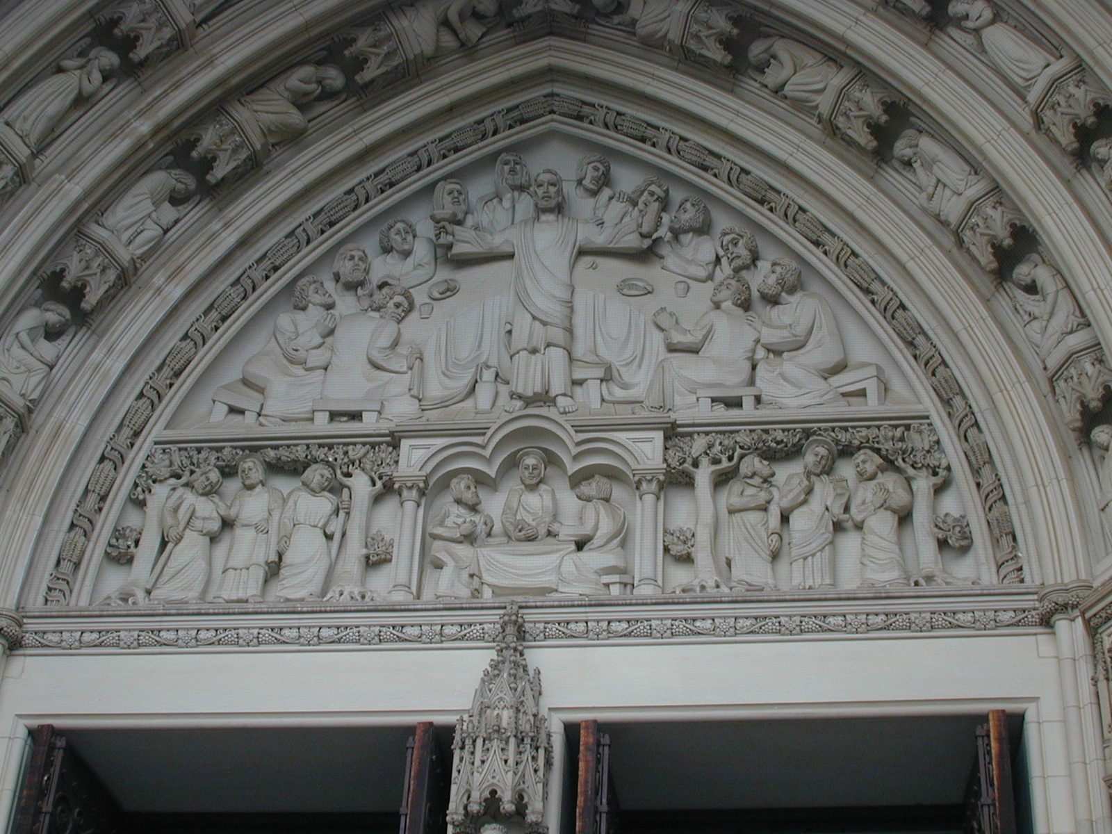 National Cathedral, Washington, U.S.A., Tympanum